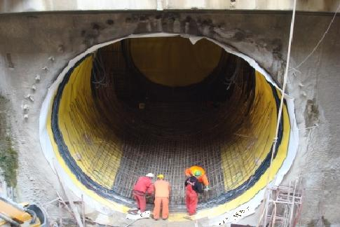 Construction of tunnels, underground areas